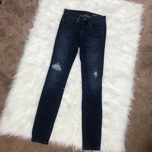 BLANK NYC distressed skinny classique jeans